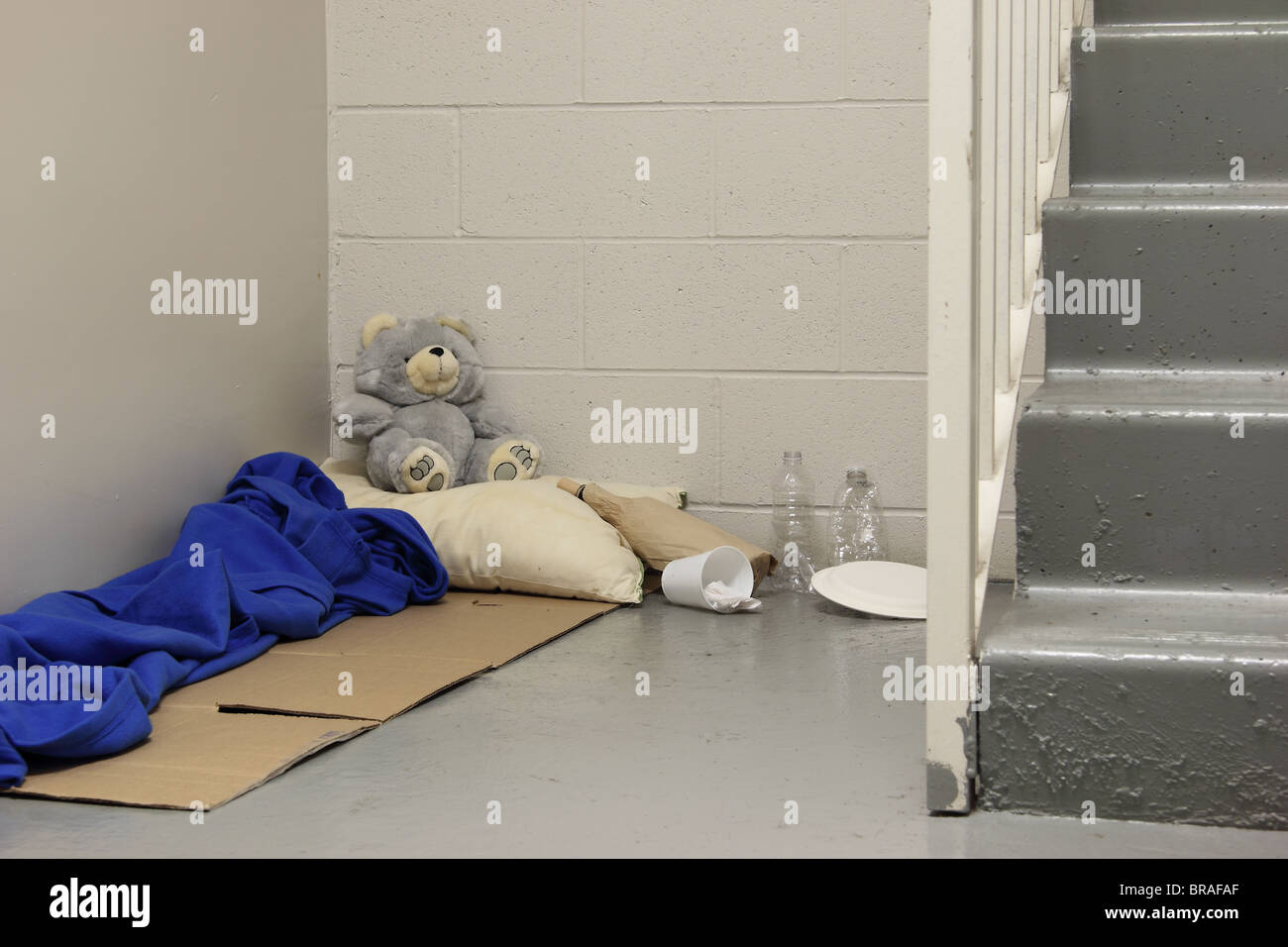 Sensational Homeless Bed Stock Photos Homeless Bed Stock Images Alamy Complete Home Design Collection Barbaintelli Responsecom