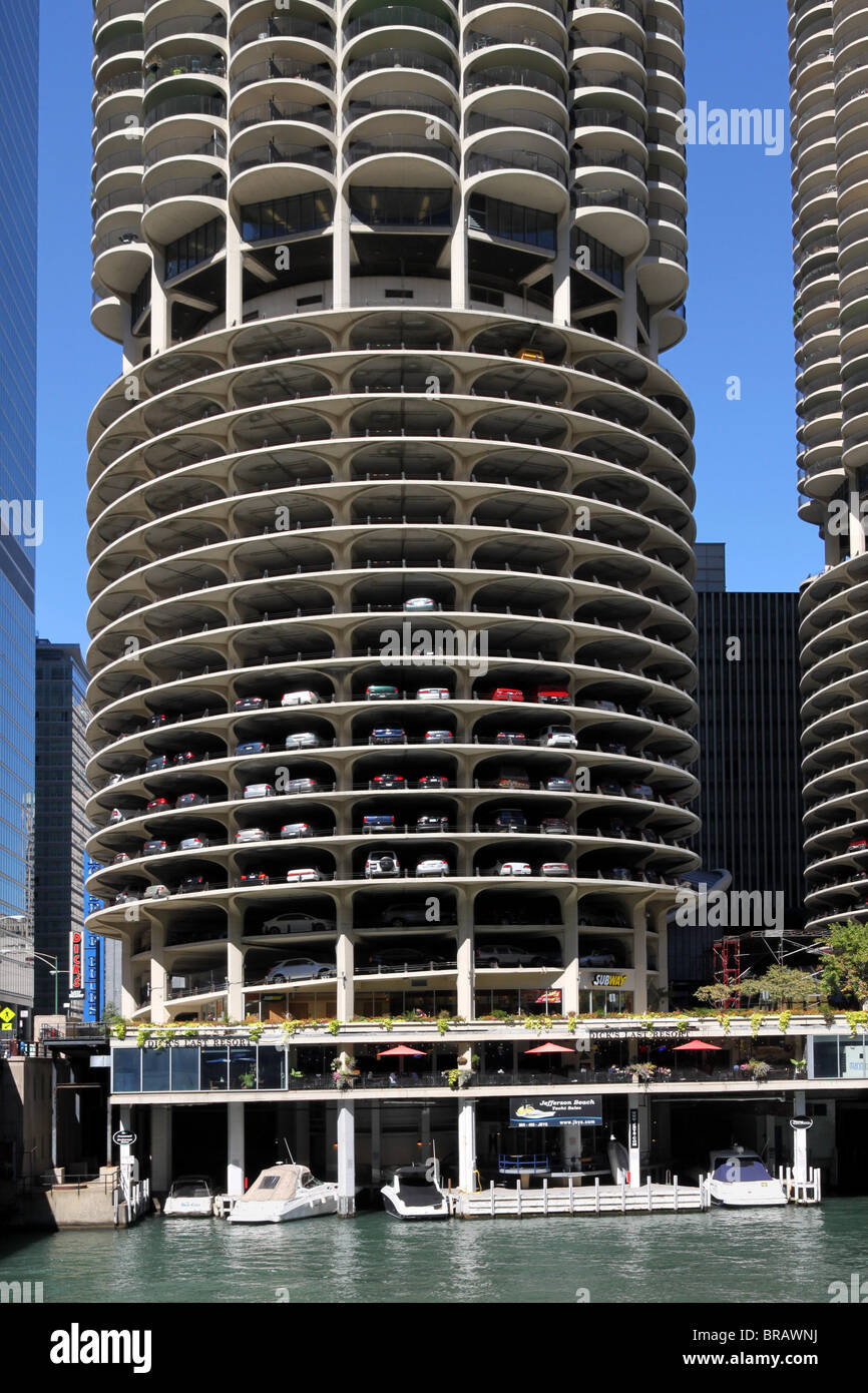 chicago marina city apartment building stock photo 31587182 alamy
