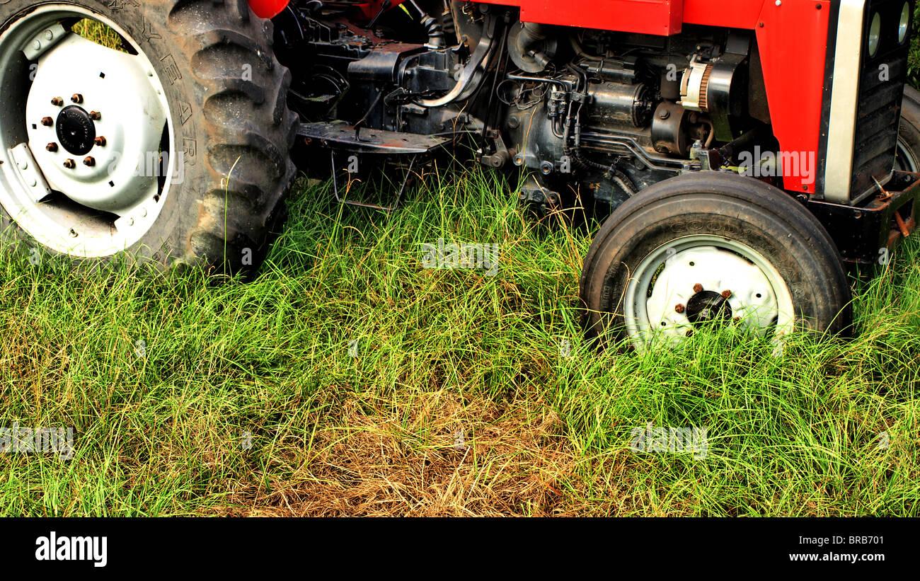 construction heavy equipment graders plow tractor disc roadwork