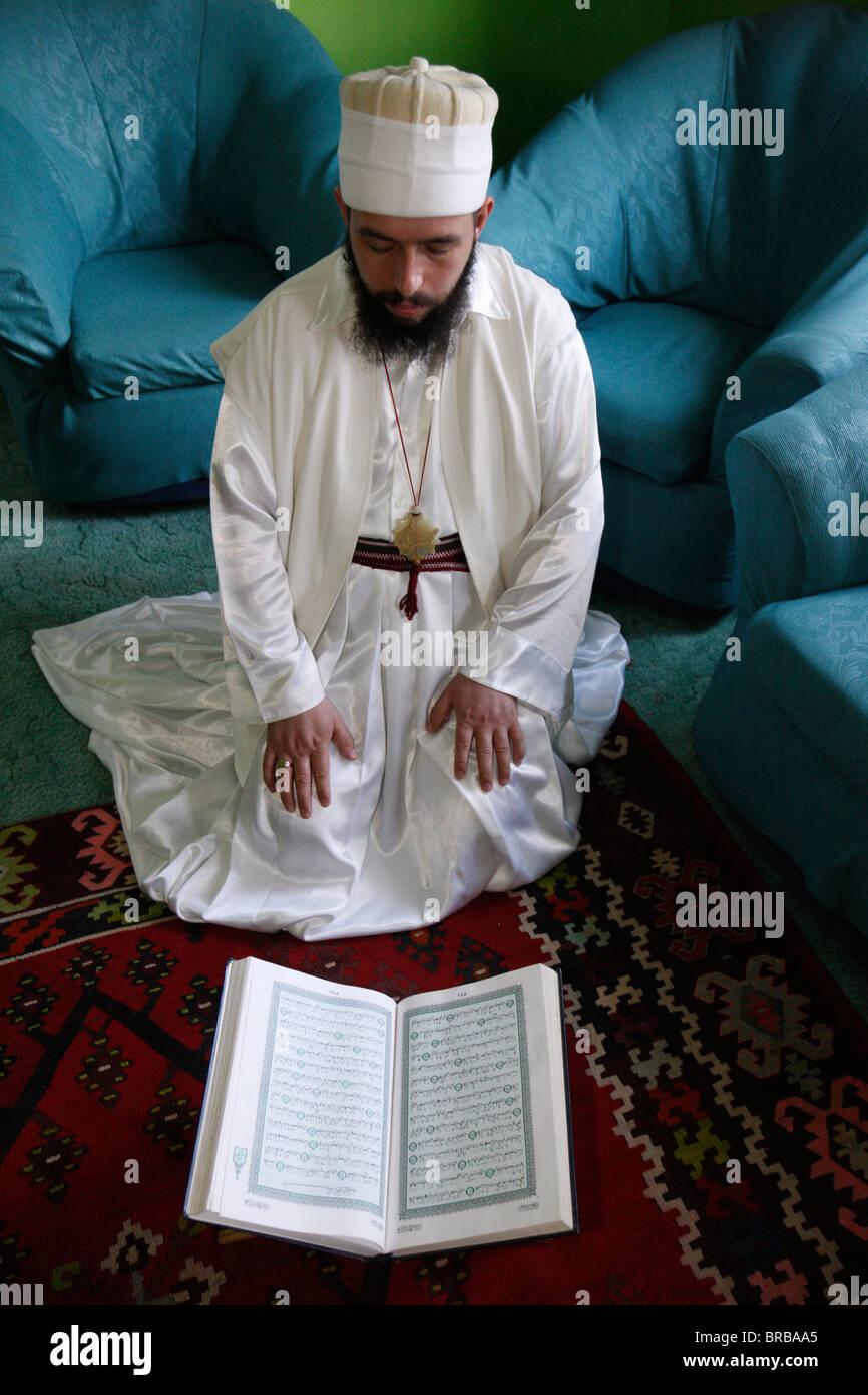 Bektachi dervish reading Koran, Tirana, Albania - Stock Image