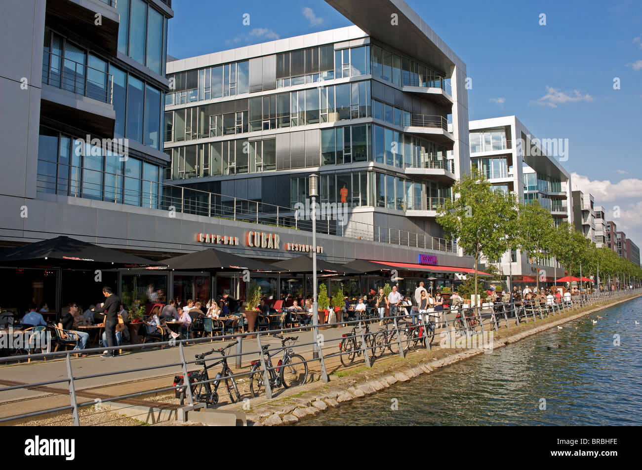 Cafes, restaurants and offices on the newly developed waterfront, Duisburg, North Rhine-Westphalia, Germany. - Stock Image