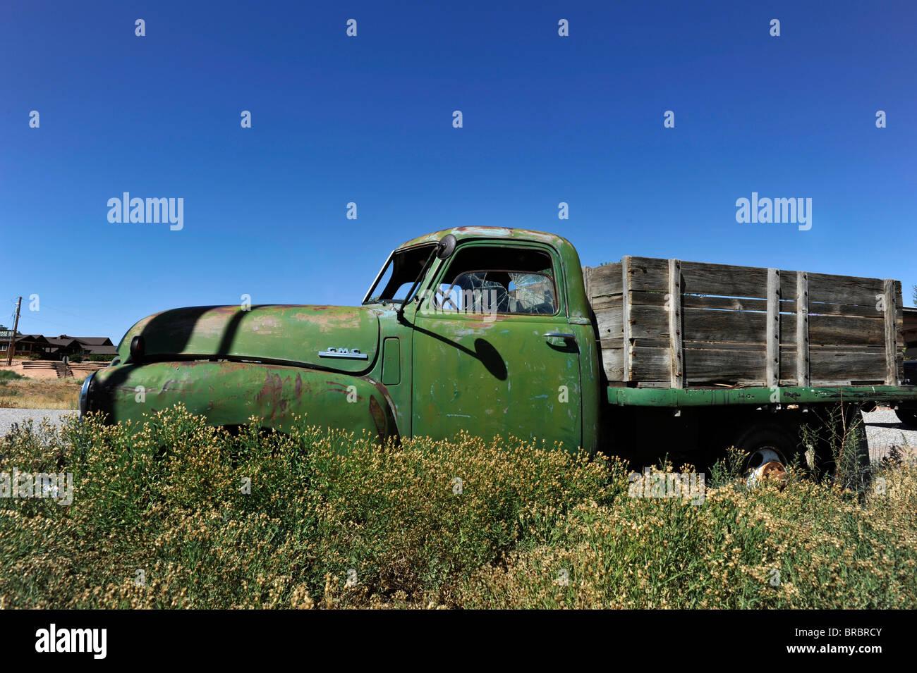 Abandoned fifties GMC pick-up truck Bluff Arizona - Stock Image