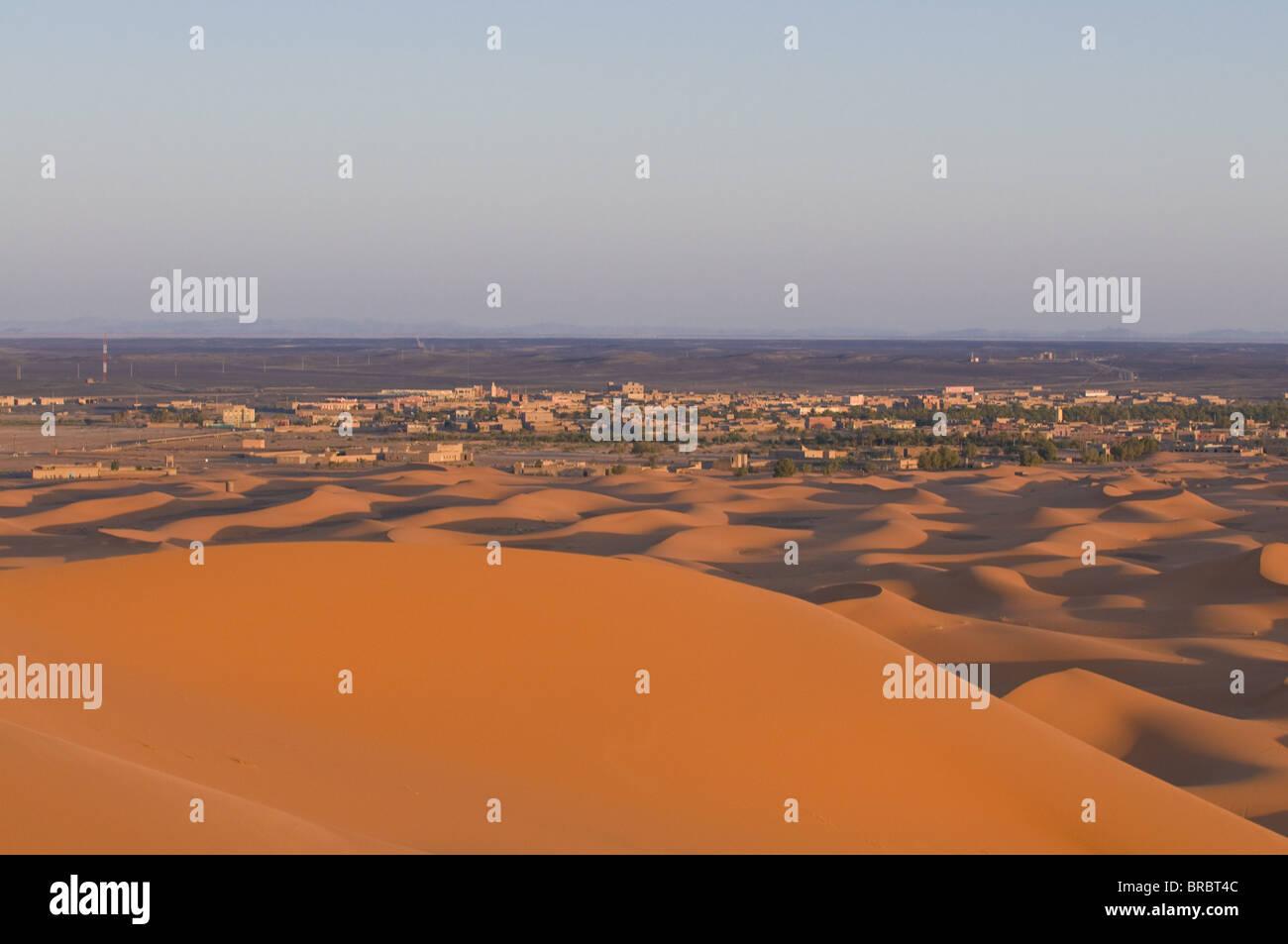 Sand dunes near Merzouga, Morocco, North Africa - Stock Image