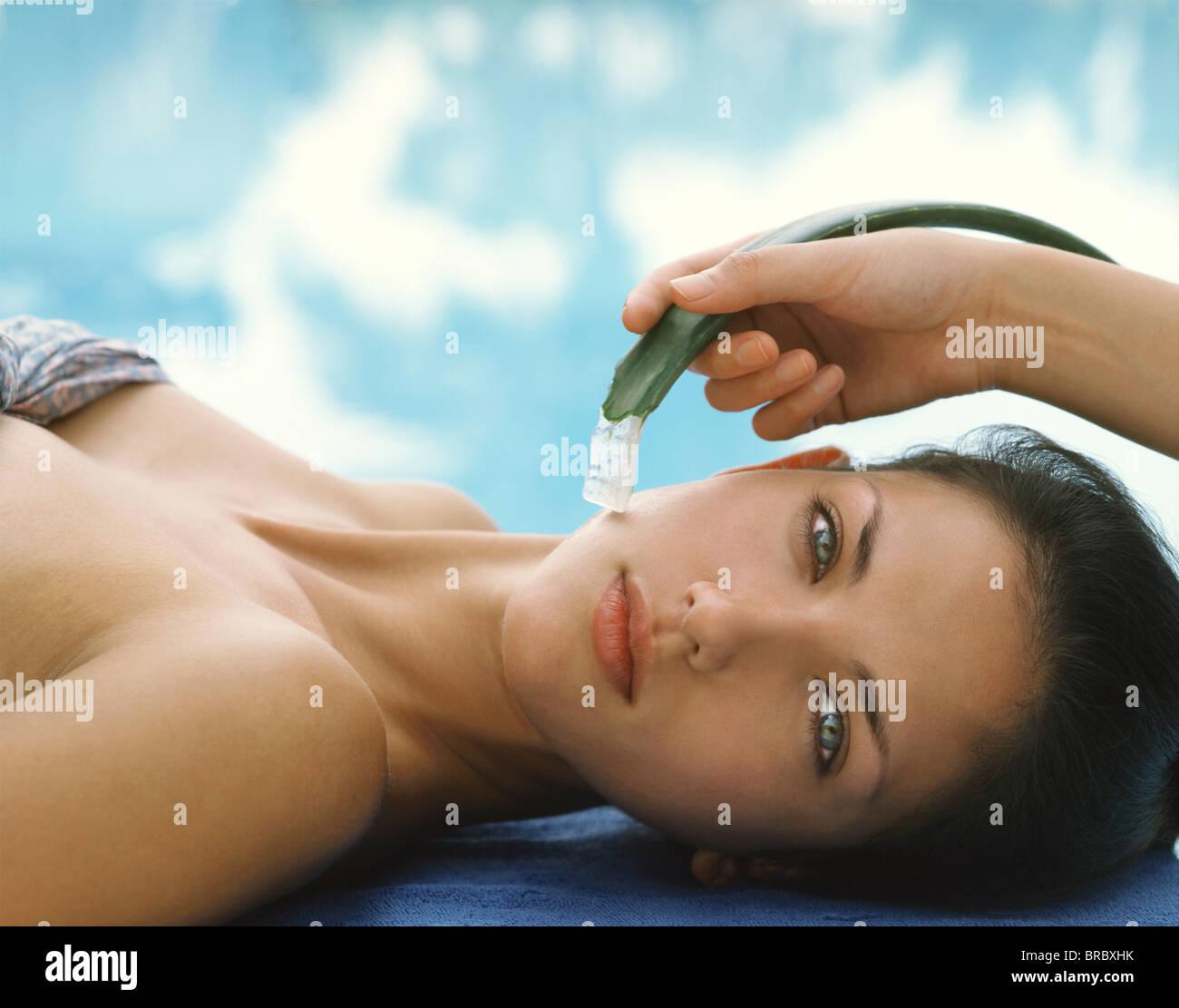 Aloe vera facial, Thailand - Stock Image