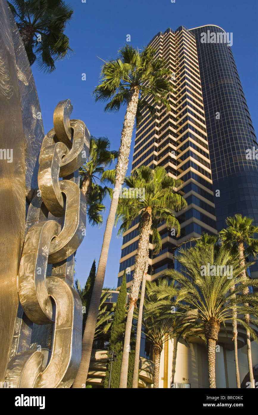 Breaking the Chains sculpture by Melvin Edwards, San Diego, California, USA - Stock Image