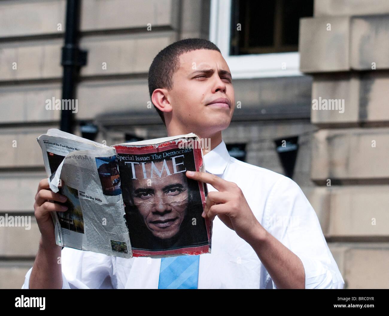 Barack Obama look-alike at the Edinburgh Fringe Festival, Edinburgh, Scotland, UK, Western Europe. - Stock Image