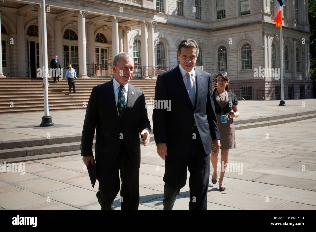 NY Mayor Michael Bloomberg, left, endorses NYS Attorney General Andrew Cuomo, right, for New York Governor - Stock Image