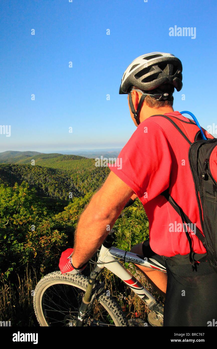 Mountain biker on Reddish Knob in George Washington National Forest near Dayton, Virginia, USA - Stock Image