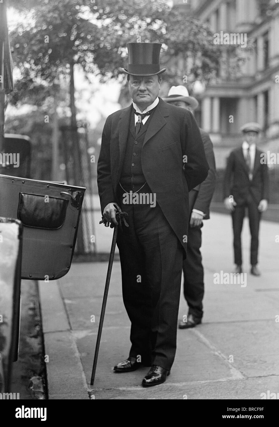 Vintage photo c1917 of British newspaper and publishing magnate Lord Northcliffe (Alfred Harmsworth, 1st Viscount - Stock Image