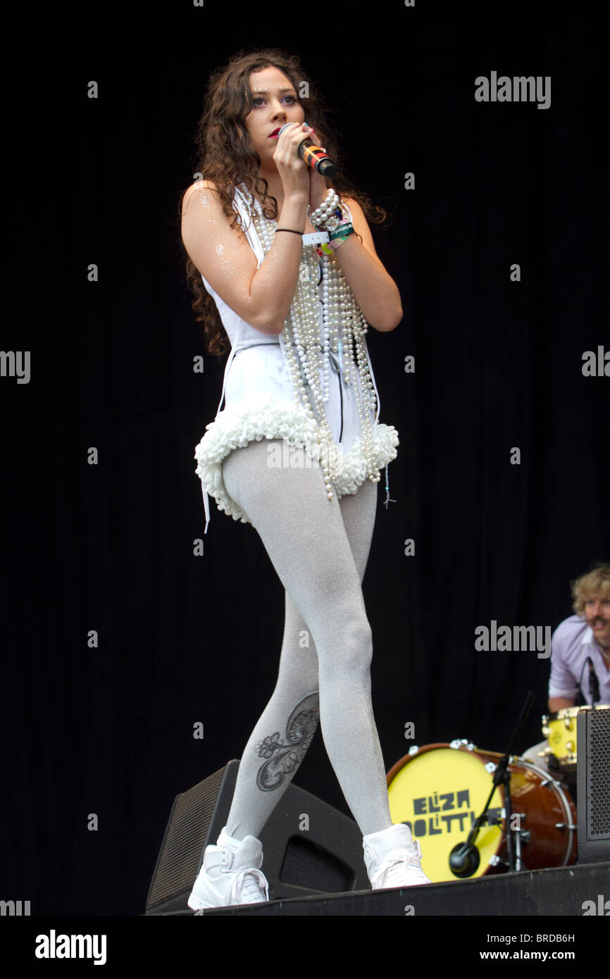 Eliza Doolittle performing at Bestival, 12th September 2010 - Stock Image