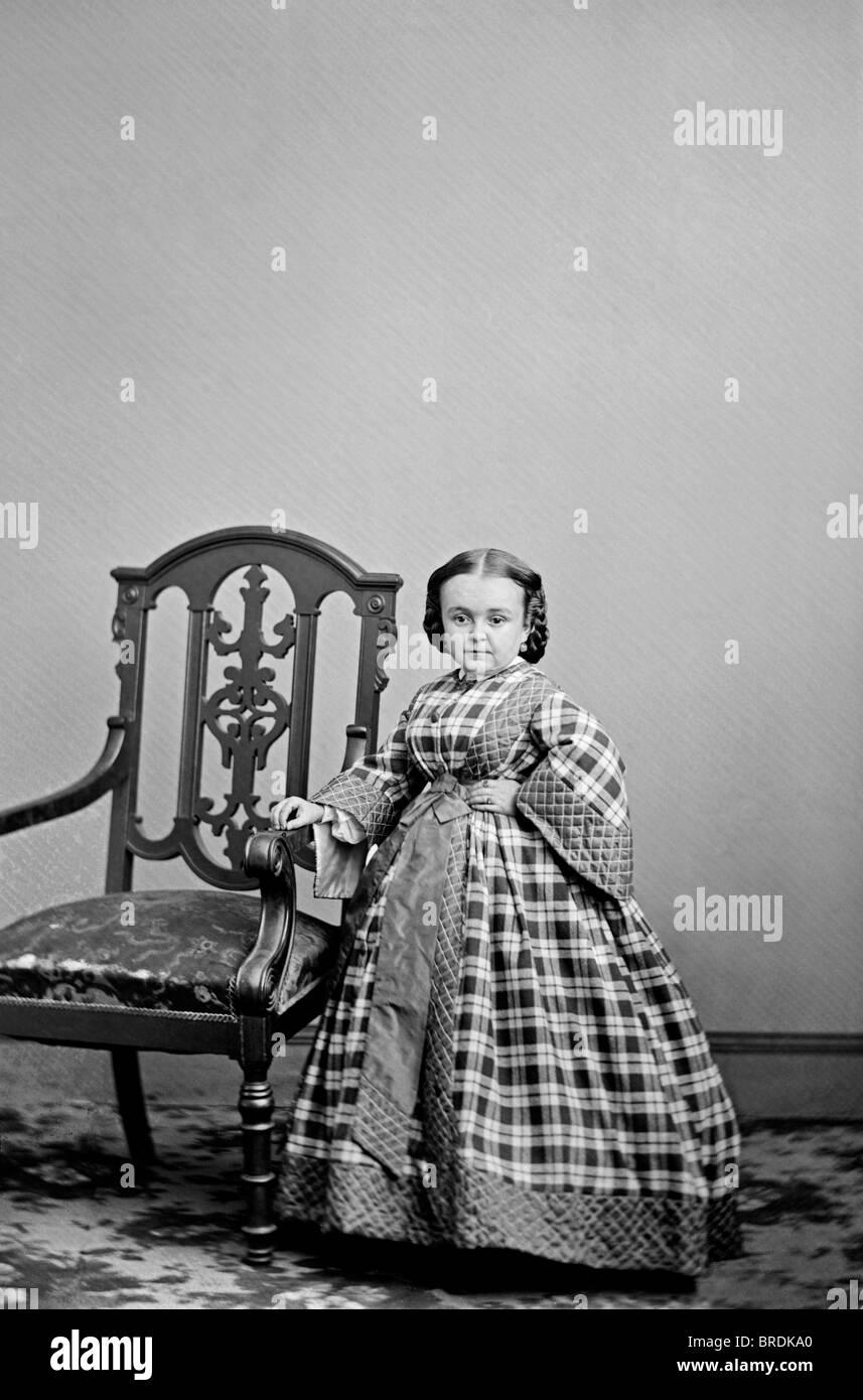Portrait photo c1860 of famous American dwarf Lavinia Warren (1841 - 1919) - wife of fellow celebrity dwarf General - Stock Image