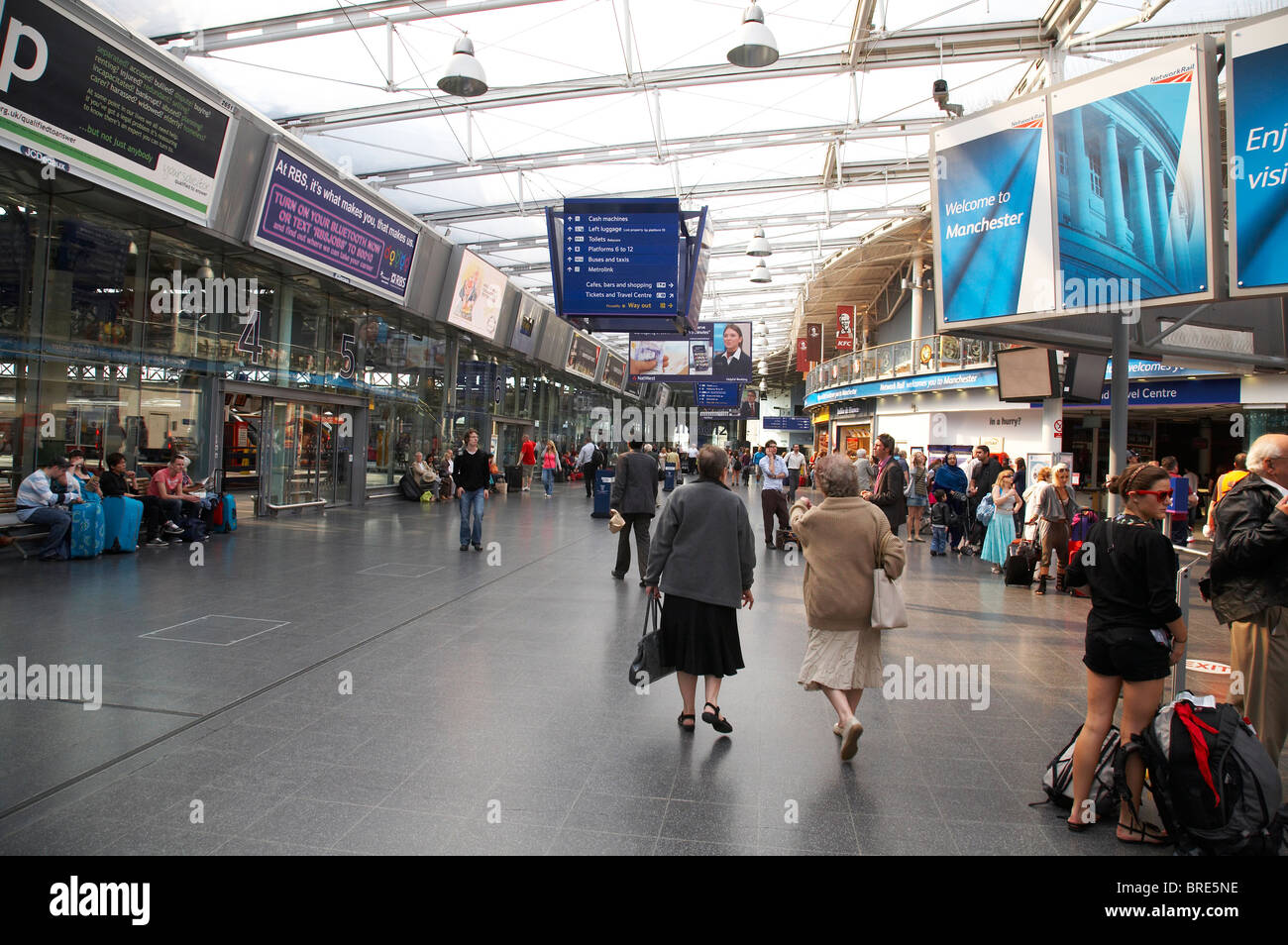 Inside Piccadilly Railway station in Manchester UK Stock Photo