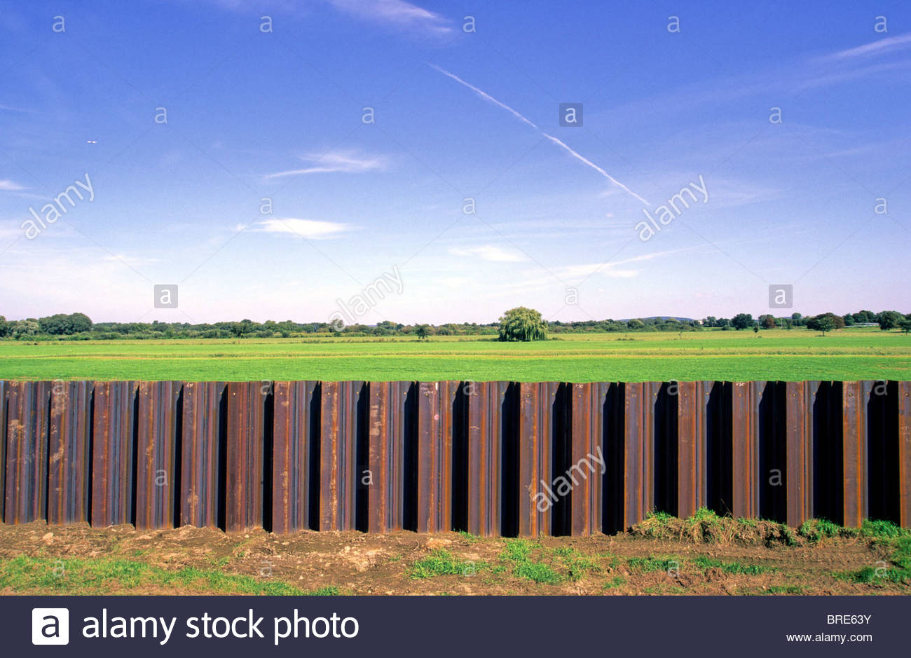 flood protection along river Mulde, Germany - in consequence of flood catastrophe August 2002. Stock Photo
