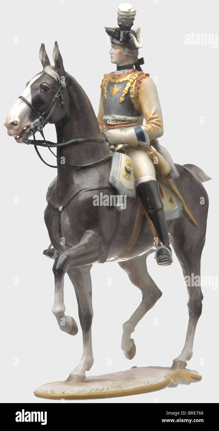 A Seydlitz-Cuirassier Officer, design by Prof. Theodor Kärner, model number '17'. Couloured and glazed - Stock Image