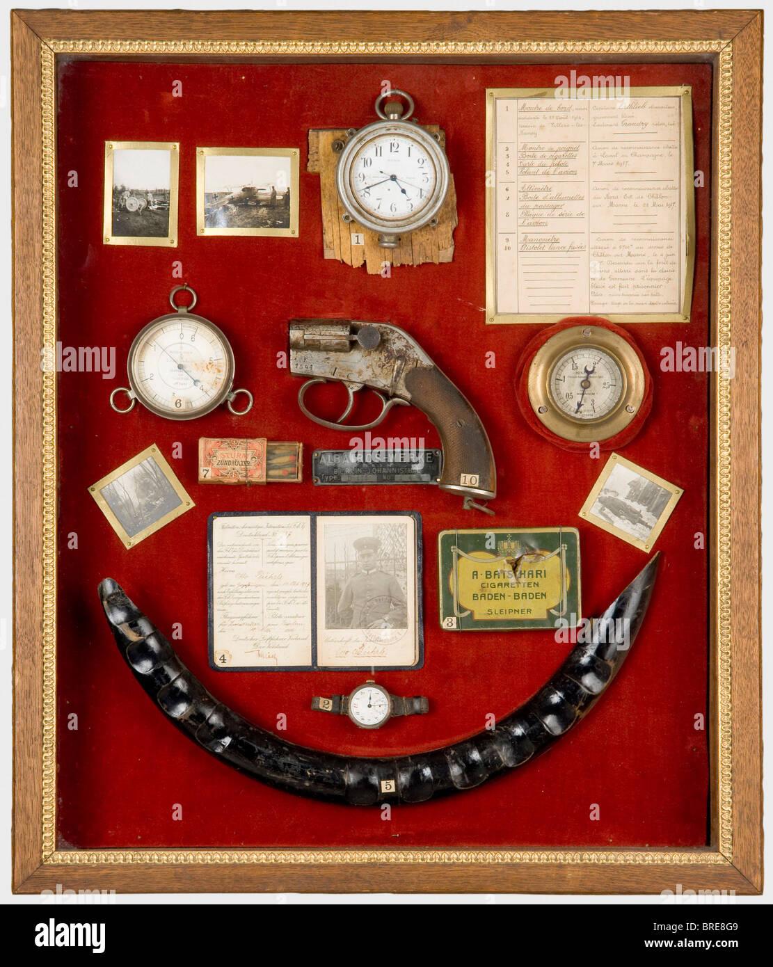Armand Pinsard (1887 - 1953), a display case with war mementos Wall display case with ten mementos of Pinsard's - Stock Image