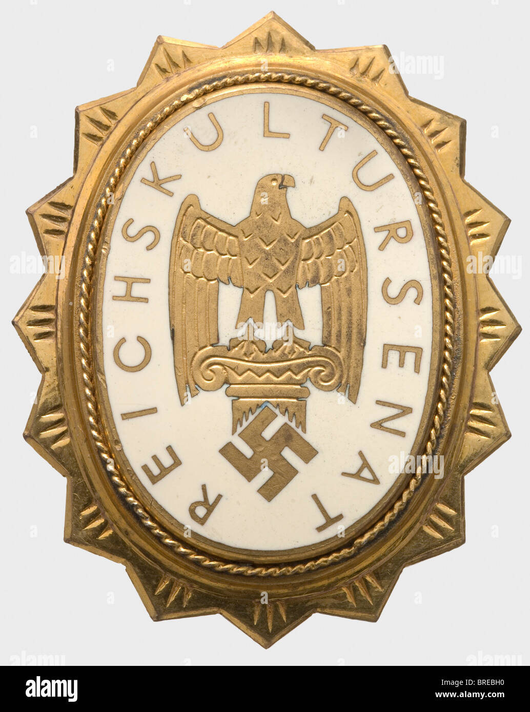 A Badge of Honour, for members of the Reich Senate of Culture Gilt silver, the corona polished, the enamelled medallion - Stock Image