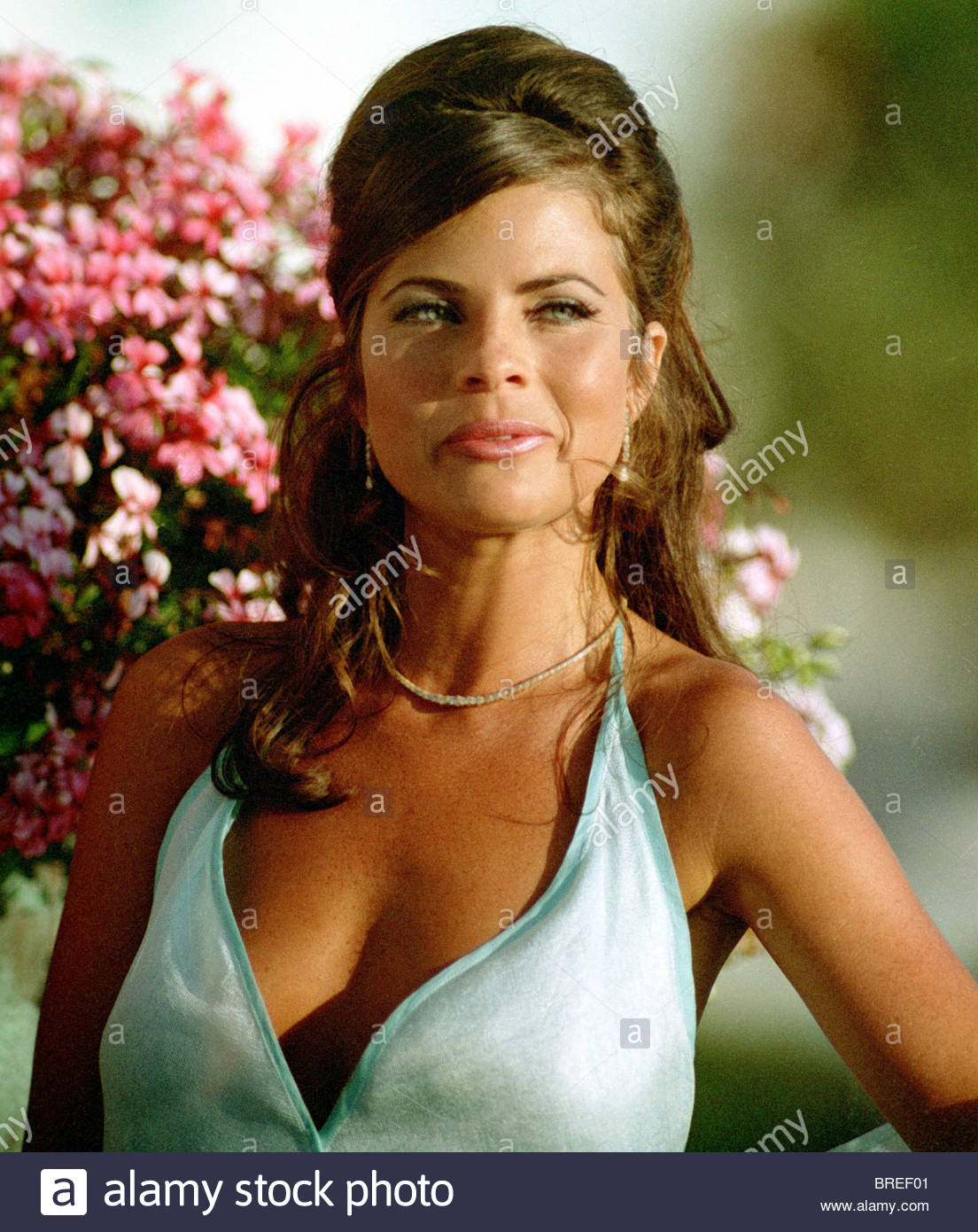 Yasmine Bleeth Nude Photos 40
