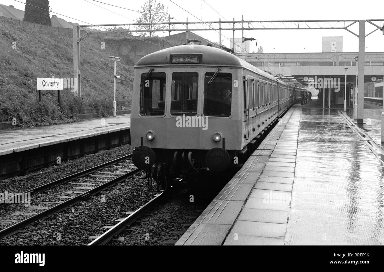 Diesel multiple unit train at Coventry railway station, 1985 - Stock Image