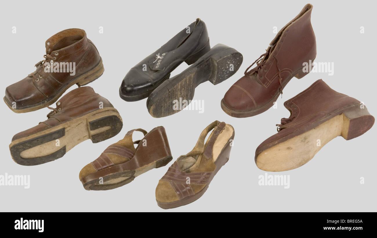 France 20ème Siècle, Ensemble de chaussures civiles, de la période de l'Occupation, comprenant - Stock Image