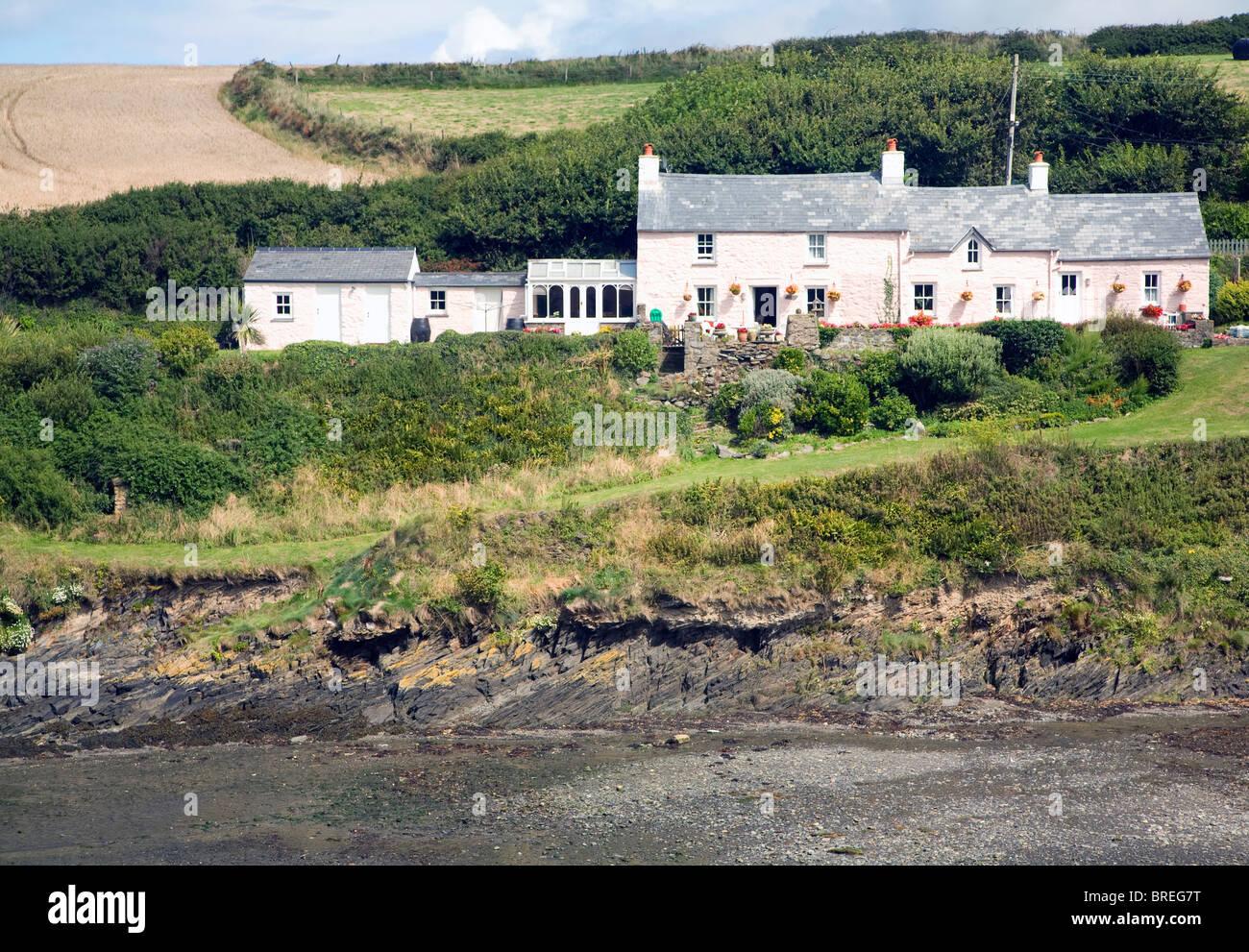 Cottages, Abercastle bay, Pembrokeshire, Wales - Stock Image