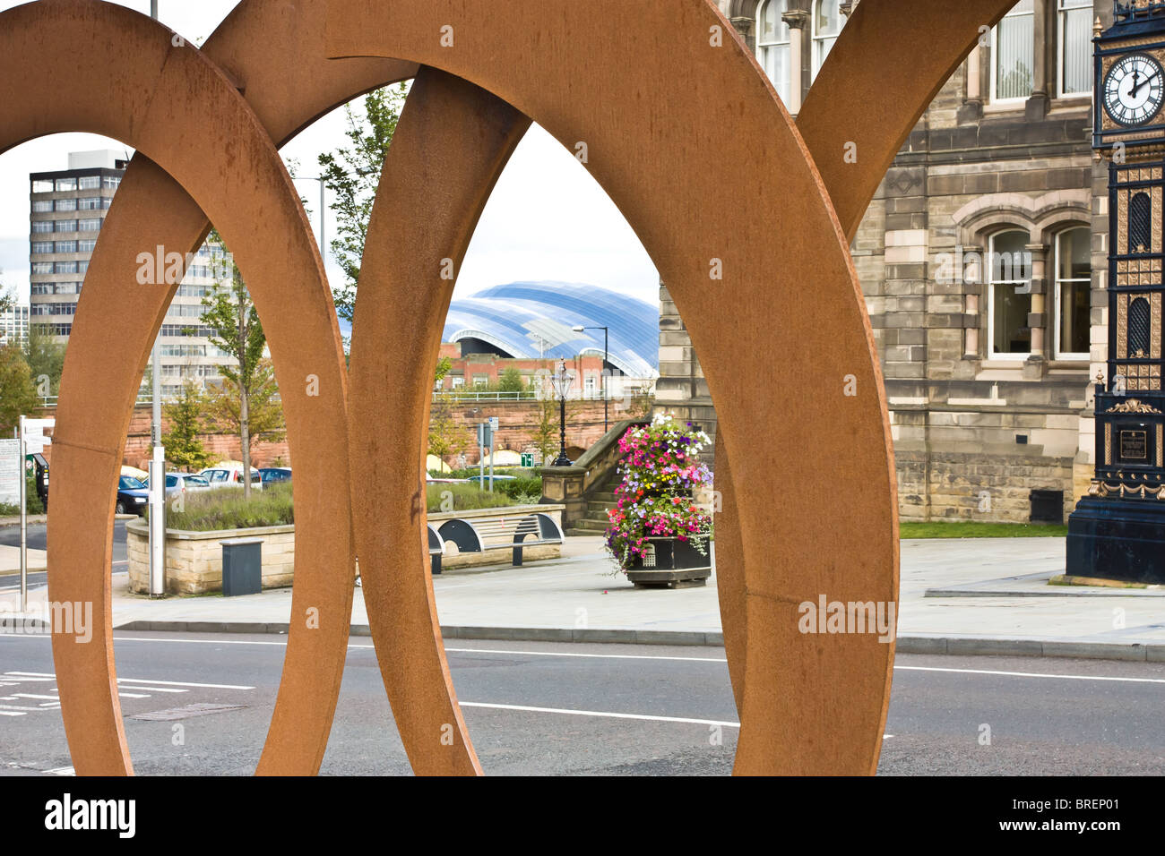 Public Art Sculpture by John Creed called Acceleration located outside Gateshead Town Hall. - Stock Image