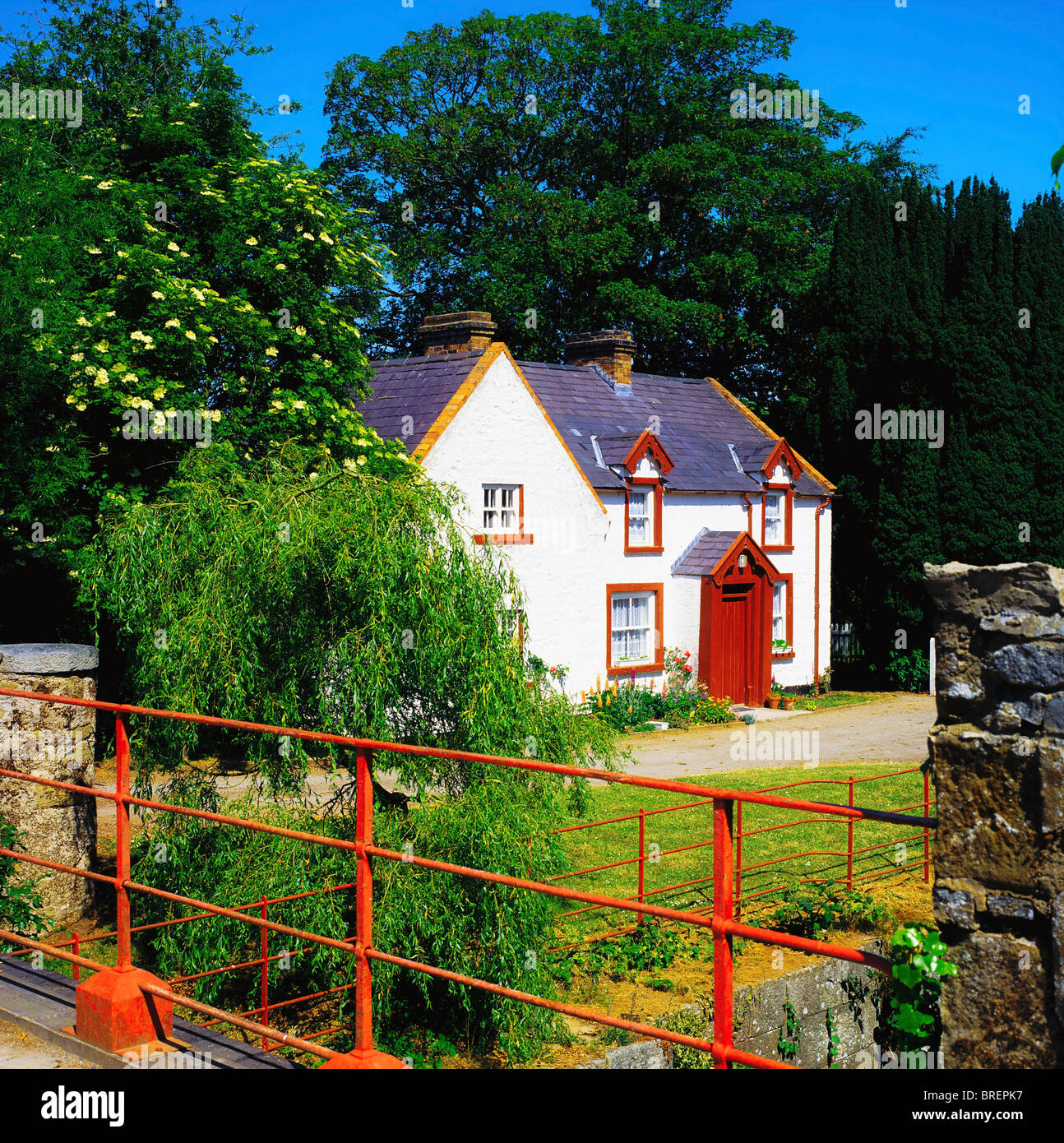 Portadown, Co Armagh, Ireland, Lockkeepers Cottage - Stock Image