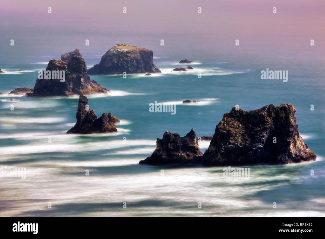 Sea stacks off Samuel H. Boardman State Scenic Corridor. Oregon - Stock Image