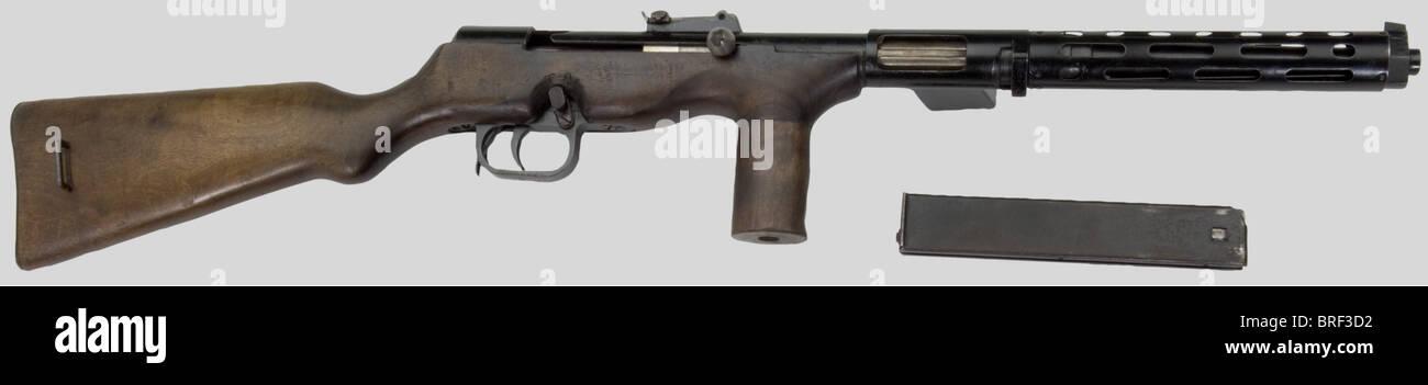 Armes à feu, PM Erma modèle EMP, calibre 9 x 19, no. 9068. Finition laquée noir, monture en noyer - Stock Image