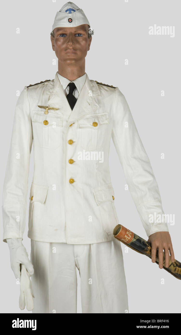 bbb8d704d7e063 Kriegsmarine, Officier de marine en tenue d'été, sur mannequin Stock ...