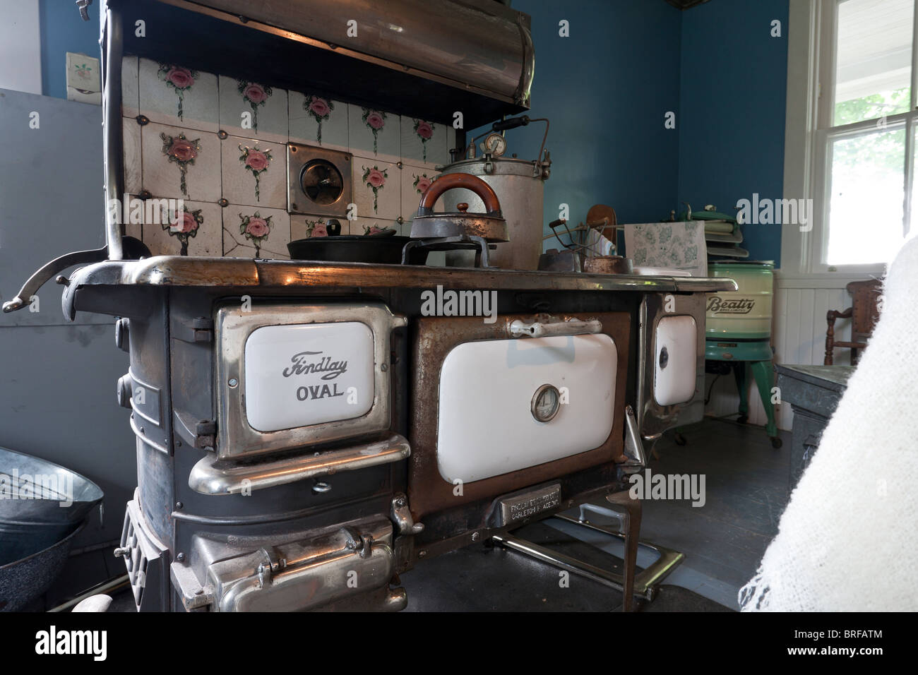 Old Findlay Oval kitchen stove. Findlay Oval Stove manufactured Findlay Bros. Co. Ltd. - Stock Image
