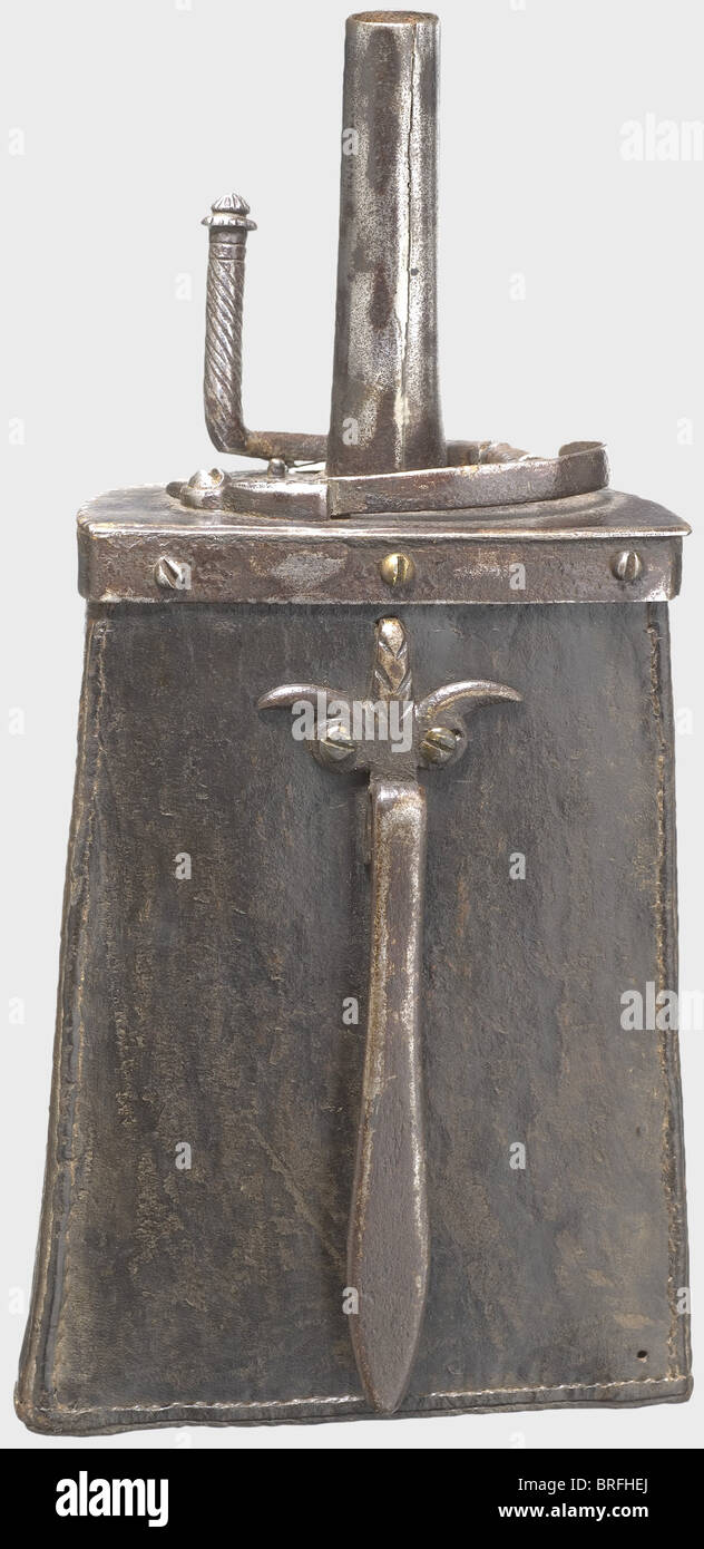 An Italian powder flask, circa 1580. A half-cylindrical wooden body with finely tooled, sewn leather covering. Rich - Stock Image