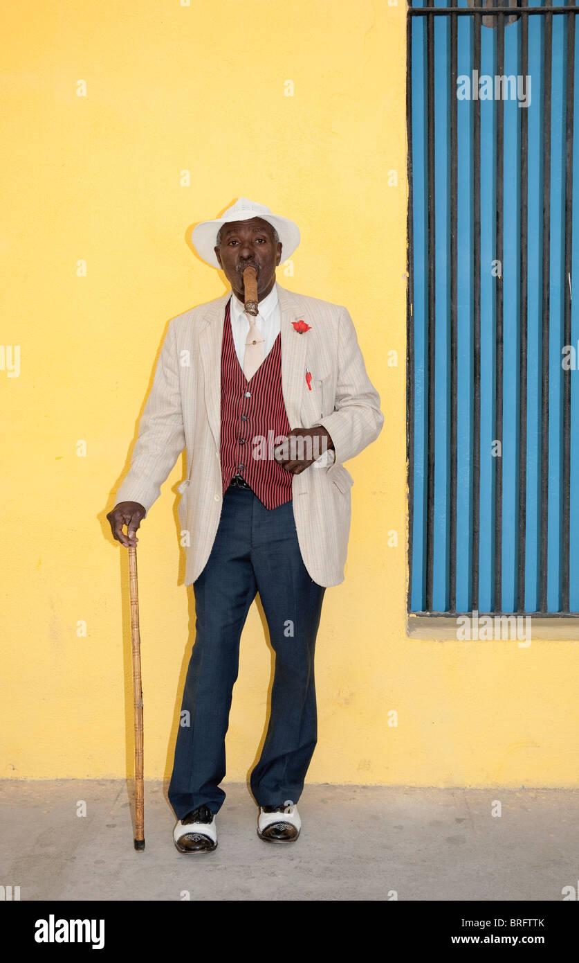 Man Smoking Cigar Havana Stock Photos & Man Smoking Cigar Havana ...