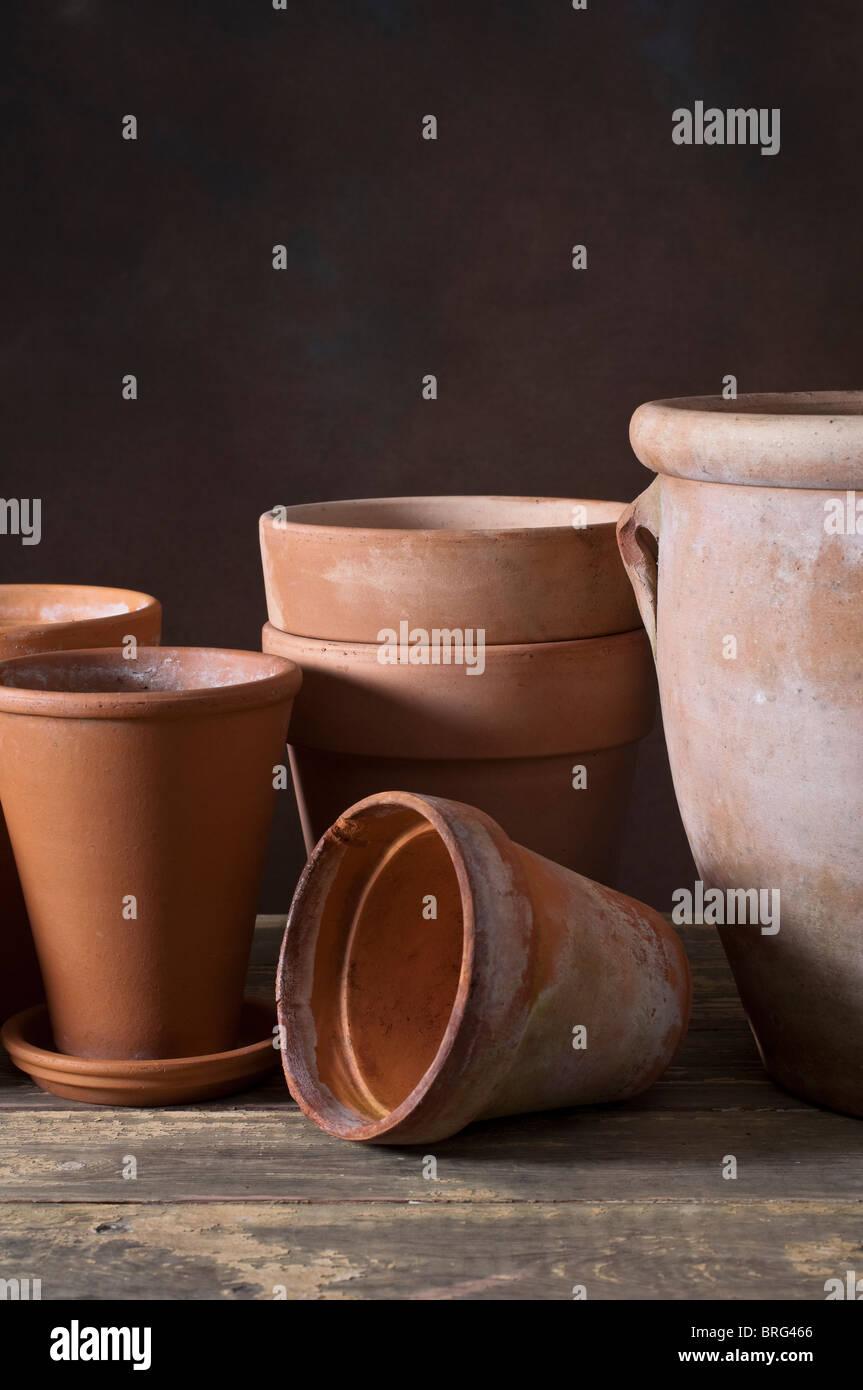 Terracotta pottery plant pots - Stock Image