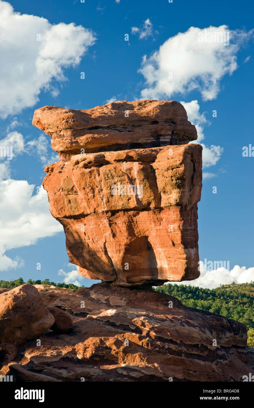 Balanced Rock, Garden of the Gods, National Natural Landmark, Colorado Springs, Colorado, USA - Stock Image