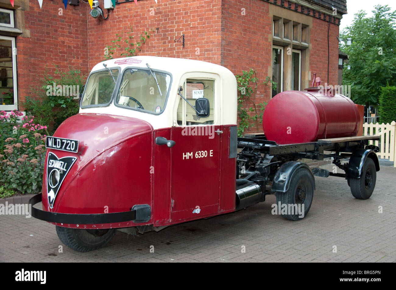 Scammell Scarab Tractor unit pulling  liquid tank - Stock Image