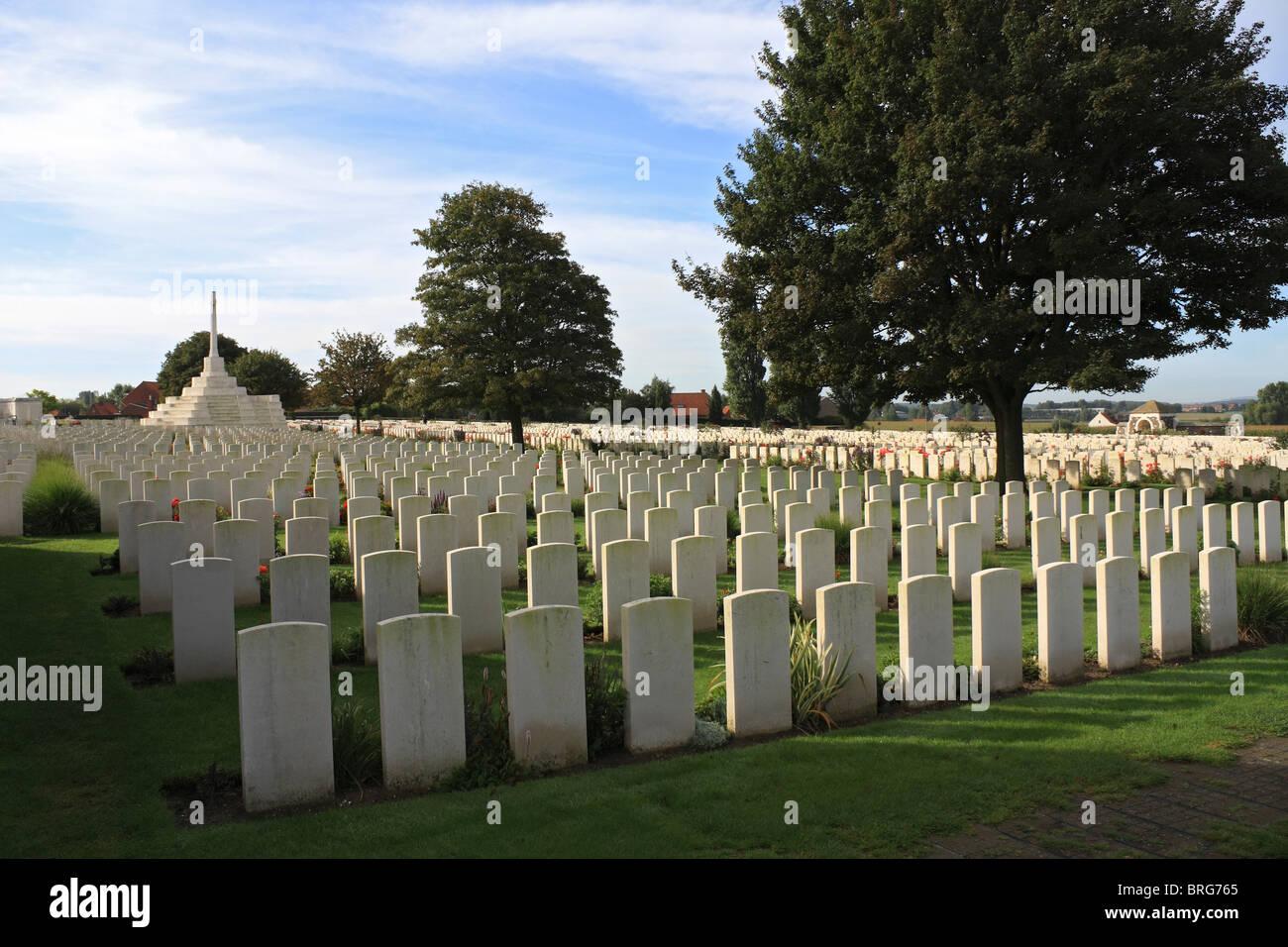 Hooge Crater Cemetery for Commonwealth soldiers killed in WW1. (Ypres) Ieper West-Vlaanderen Belgium. - Stock Image