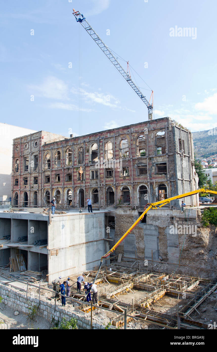 The Rebuilding Of Hotel Neretva In Mostar, Bosnia And Hercegovina Which Was Nearly Completely Destroyed During The - Stock Image