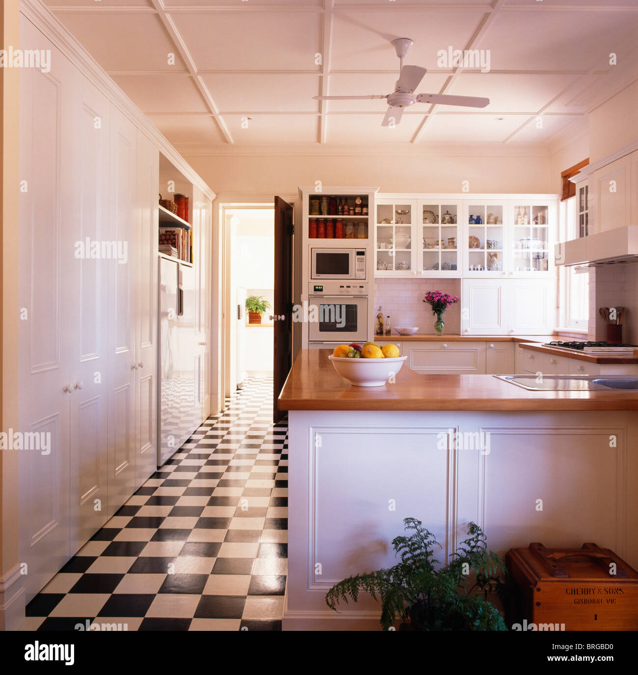 Remarkable Black White Checkerboard Vinyl Flooring In Large Modern Beutiful Home Inspiration Xortanetmahrainfo