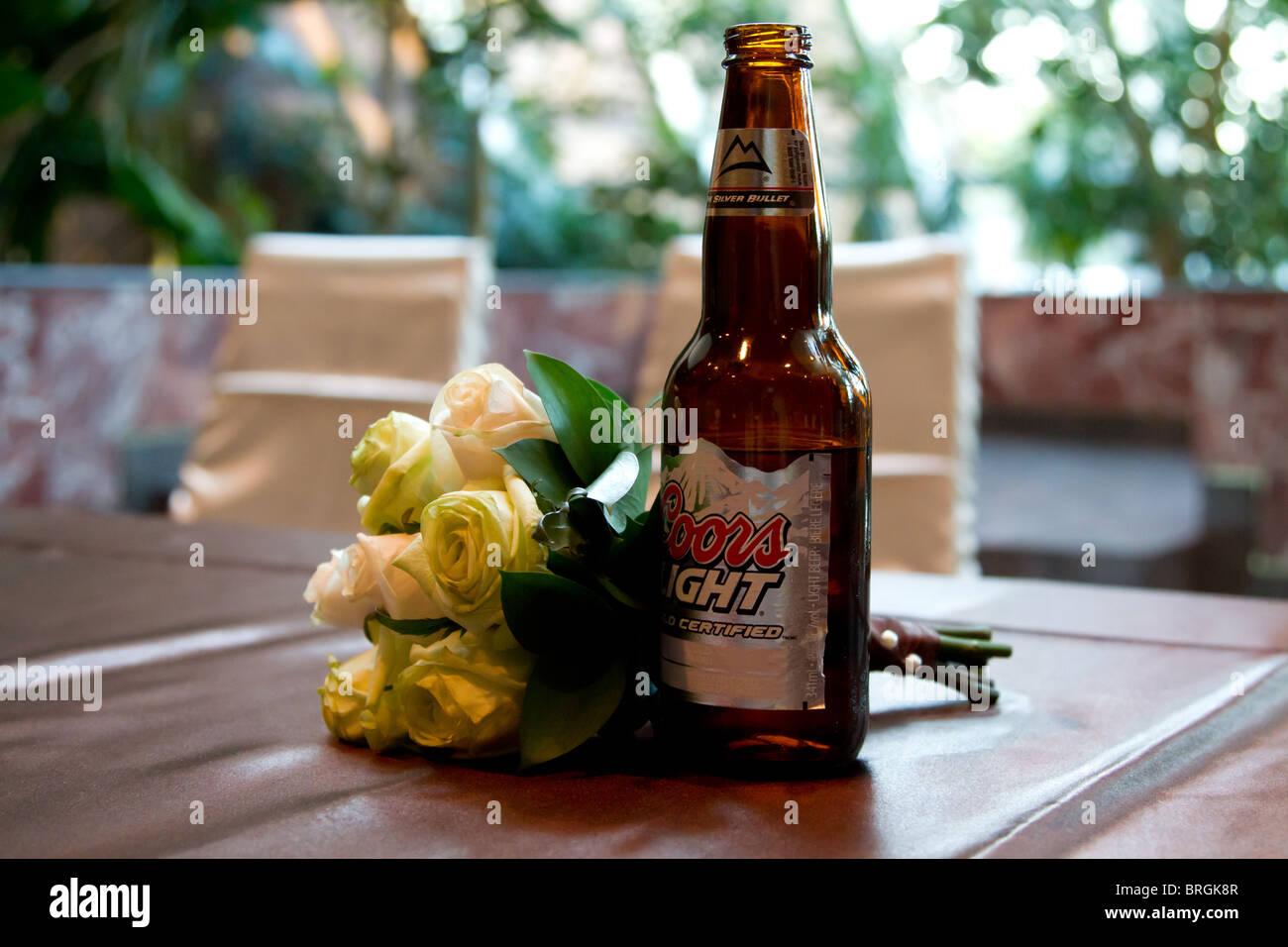 beer wedding flower bouquet - Stock Image