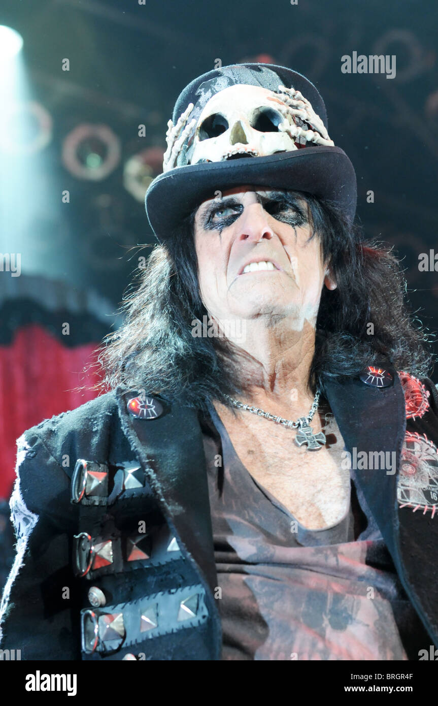 91097dfc0fb Alice Cooper wearing a skull top hat on stage at Wolverhampton Civic Hall  on the Theatre of Death tour
