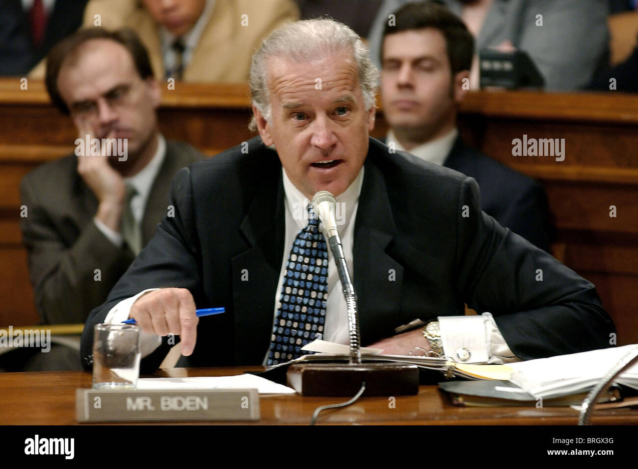 Senate Judiciary Committee Member Joeseph R. Biden (D-DE) speaks on Capitol Hill about President Bush's judicial - Stock Image