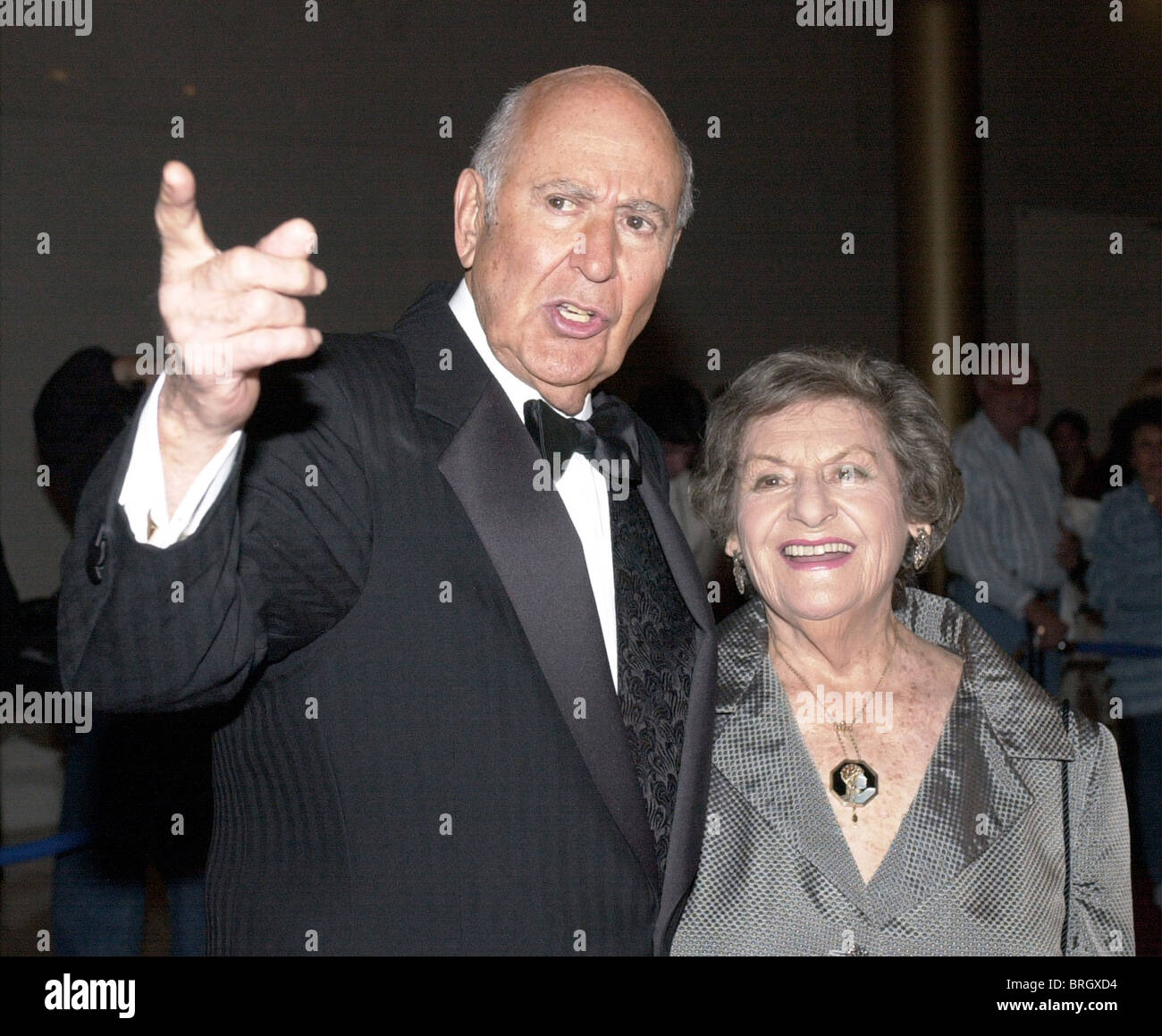 Carl Reiner and his wife Estelle enter the Kennedy Center prior to his reception of the Mark Twain Prize . - Stock Image
