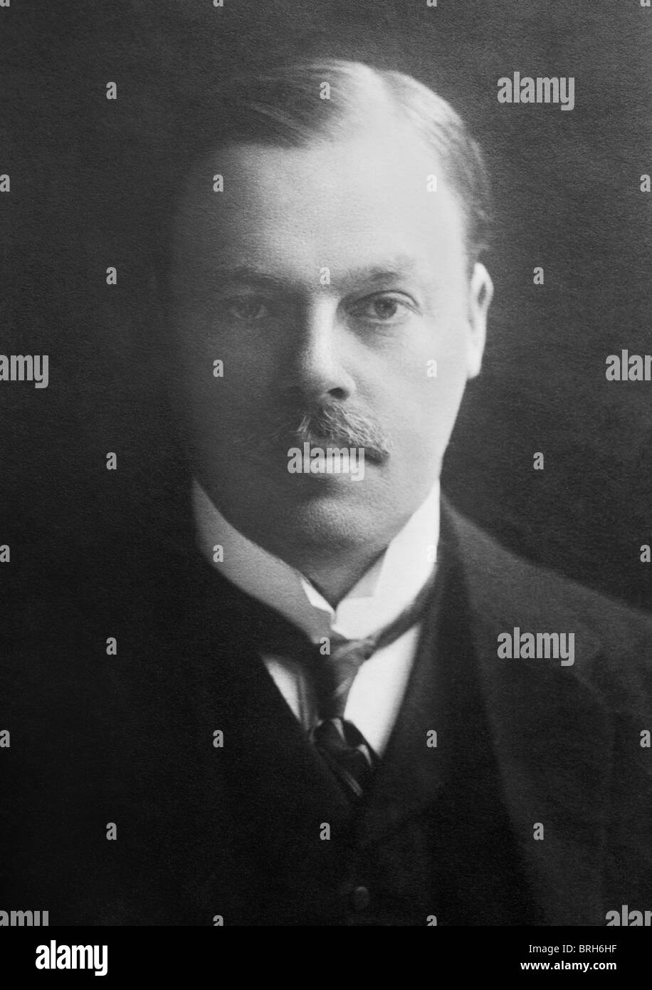 Portrait photo circa 1910s of British newspaper magnate Lord Rothermere (Harold Sidney Harmsworth, 1st Viscount - Stock Image