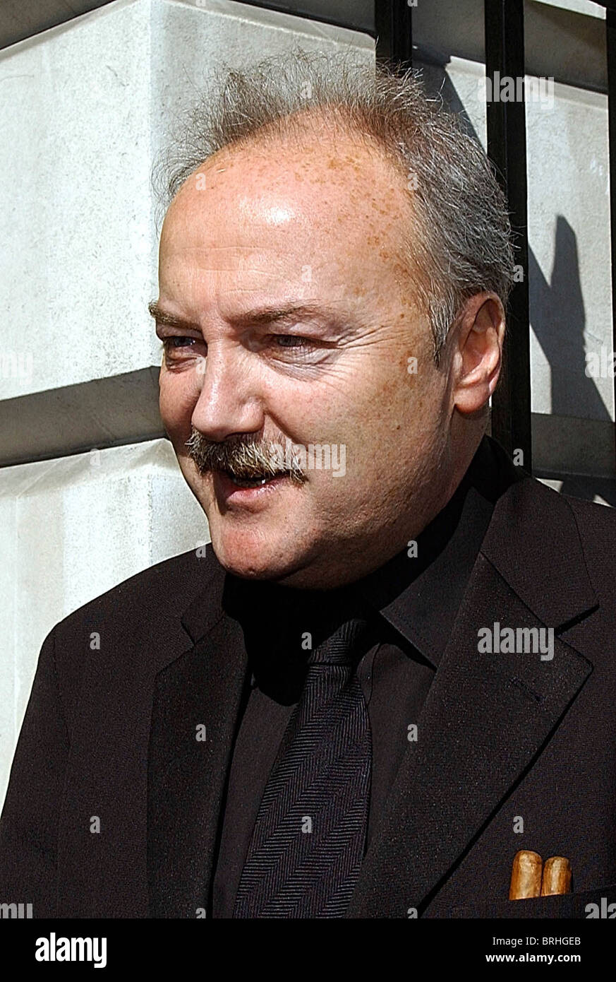 MP George Galloway at the anti-war demo in Grosvenor Square, London, 5-4-2003. Photo by John Robertson-Tel.07850 - Stock Image
