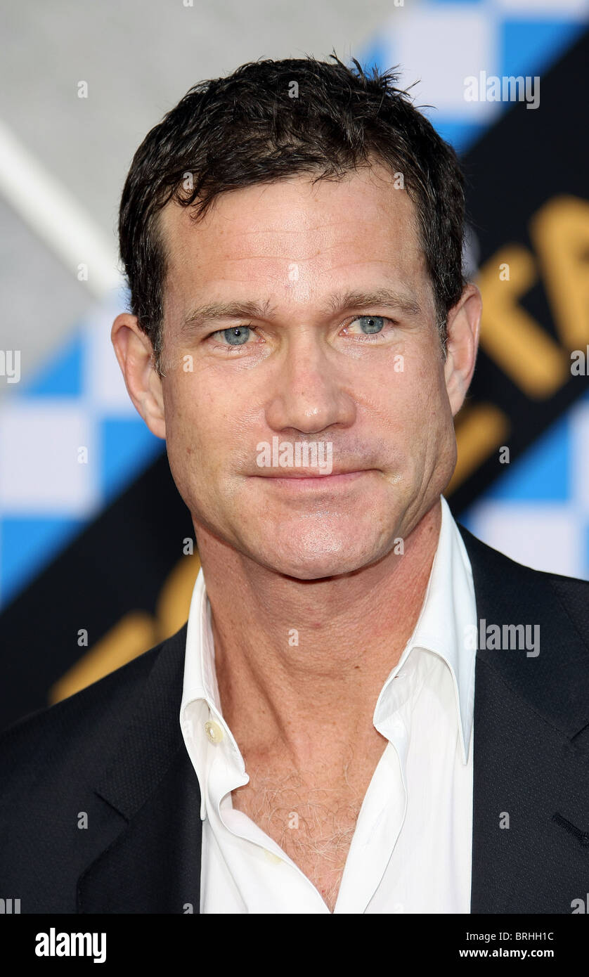dylan walsh height