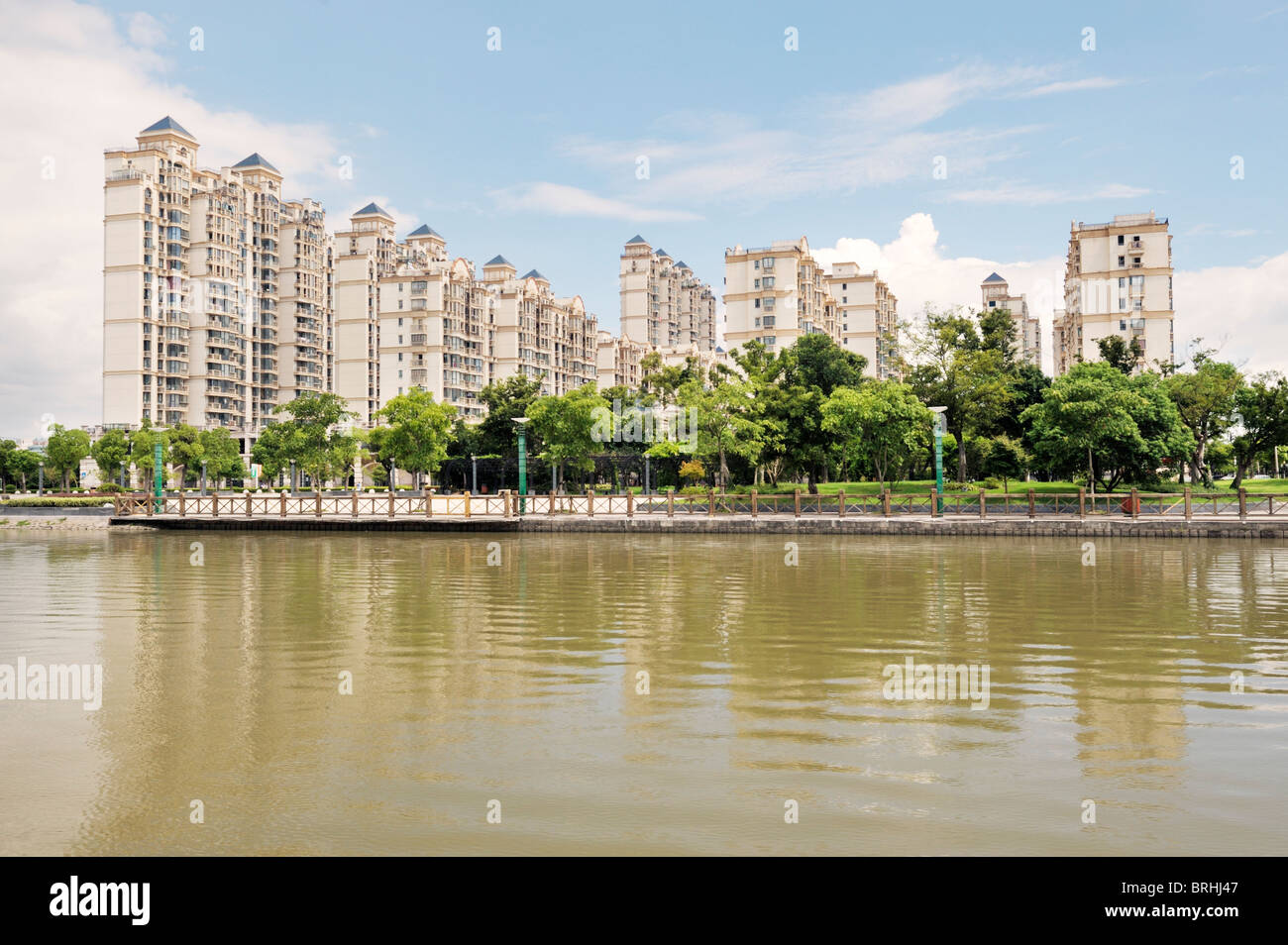 Songjiang, Shanghai, China. Luxury houses and apartments seen from Thames Town, one of the new town developments - Stock Image