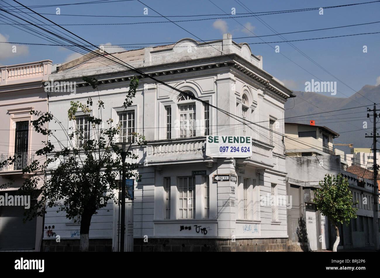 old building, avenue Rio Amazonas, Quito, Ecuador Stock Photo