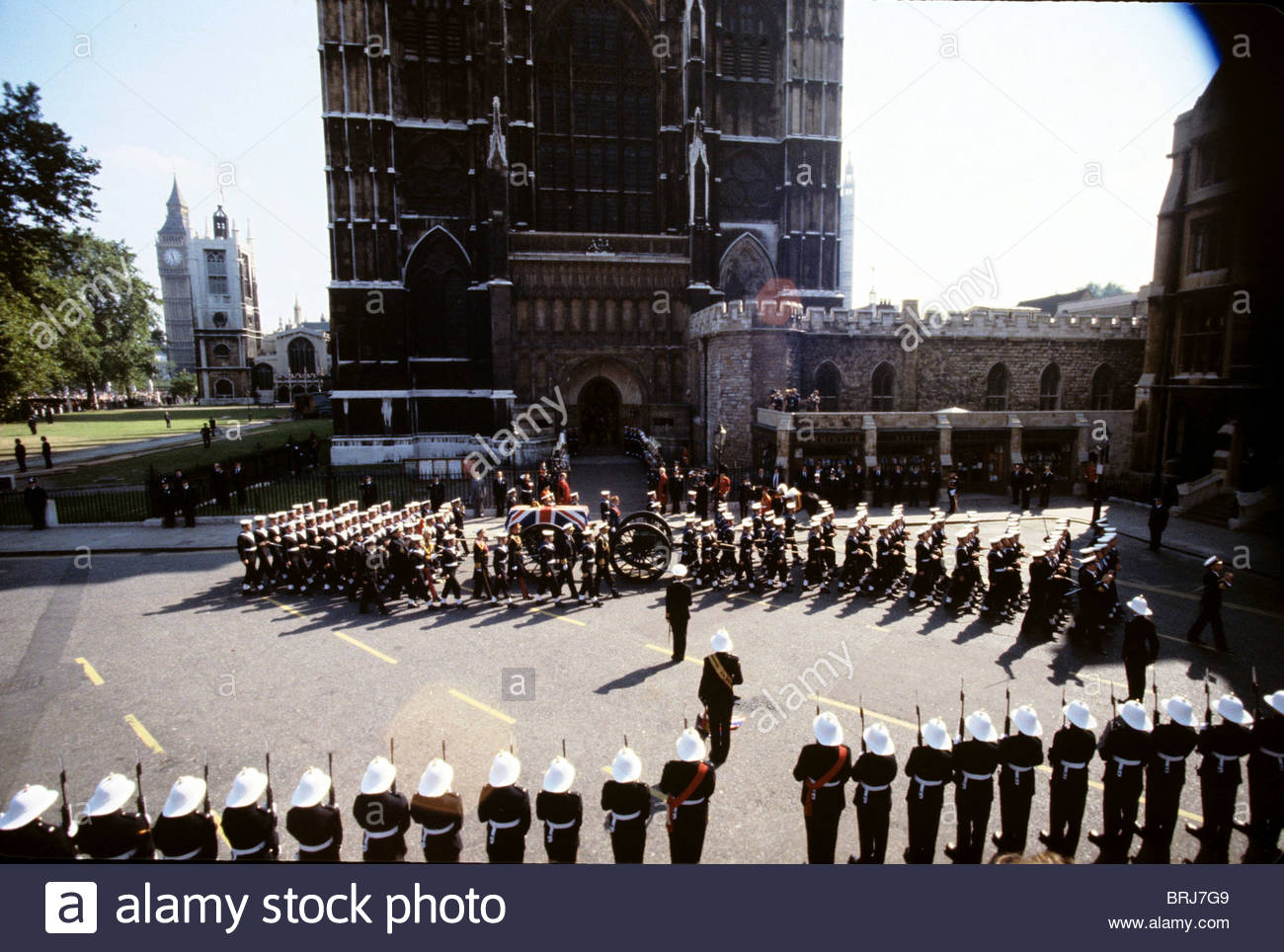 FUNERAL OF LORD MOUNTBATTEN LONDON BRITAIN 1979 THE COFFIN AT WESTMINSTER ABBEY - Stock Image