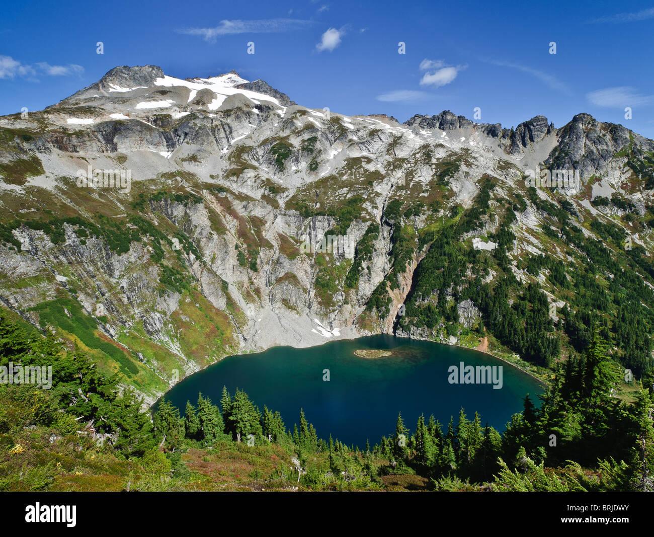 Doubtful Lake, Sahale Mountain and Ripsaw Ridge from Cascade Pass-Sahale Arm Trail, North Cascades National Park, - Stock Image