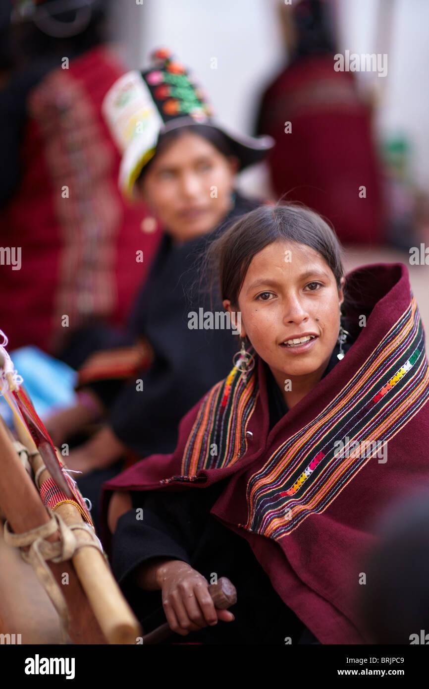 a girl weaving, Sucre, Bolivia - Stock Image
